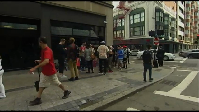 """Fans lined up on Friday to experience Kanye West's """"Pablo"""" pop-up shop in Boston. The rapper-turned-fashion mogul will open 21 stores worldwide just for this weekend. (Aug. 19)"""