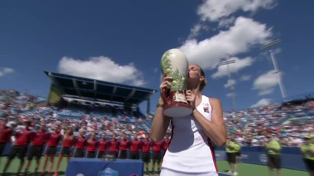 Karolina Pliskova and Marin Cilic captured titles Sunday in Cincinnati.