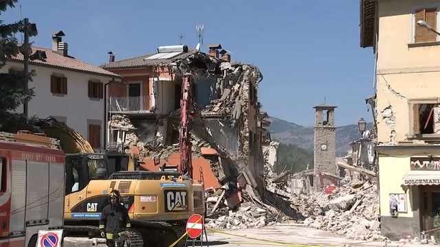 Crews begin task of destroying unsafe buildings in the Italian town of Amatrice whwere an earthquake struck on Wednesday. (Aug. 28)