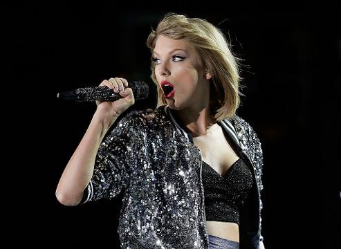 Here's the real reason Taylor Swift skipped out on the VMAs this year