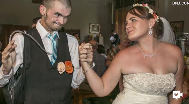 'It's now or never': Terminally ill man marries dream girl