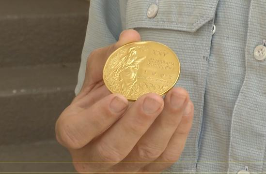 Gold medal returned to Olympic athlete