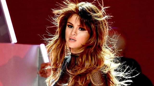 After traveling the world over the last few months for her Revival World Tour, Selena Gomez is taking a break to take care of herself