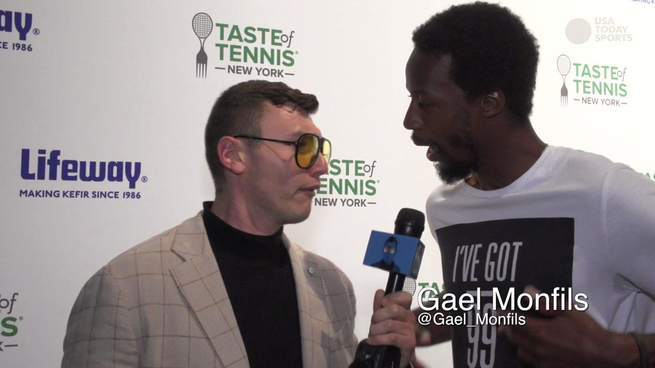 The Schmo enjoys some fine dining with elite company at the Taste of Tennis in New York City.