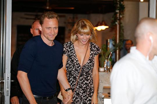 Internet goes bonkers after Taylor Swift, Tom Hiddleston split
