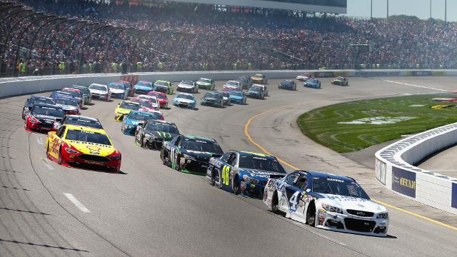 USA TODAY Sports' Jeff Gluck looks ahead to the Federated Auto Parts 400 and the story lines that fans should keep an eye on leading up to this weekend's race.