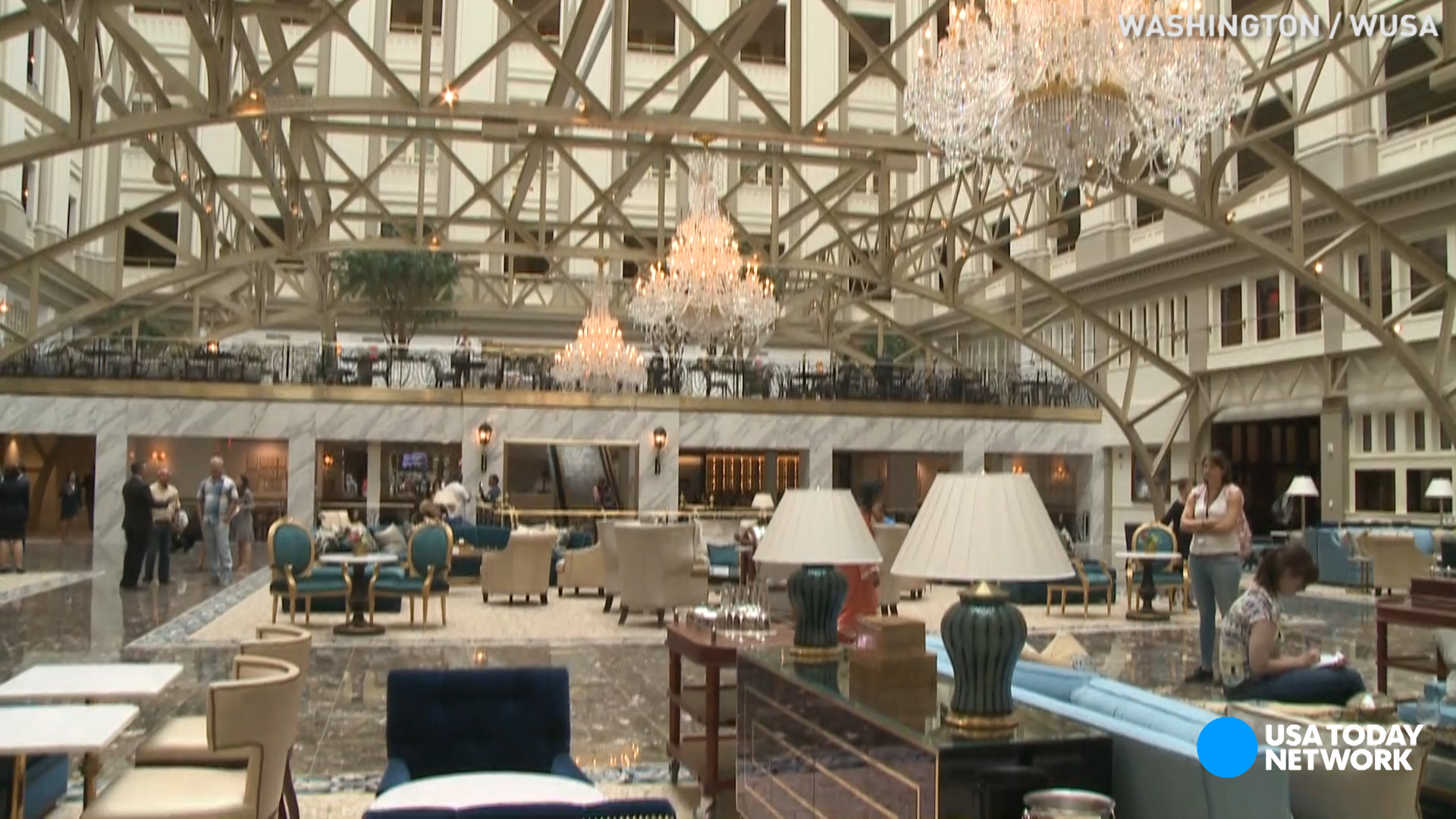 See inside donald trump 39 s new d c hotel for Trump hotel dc decor