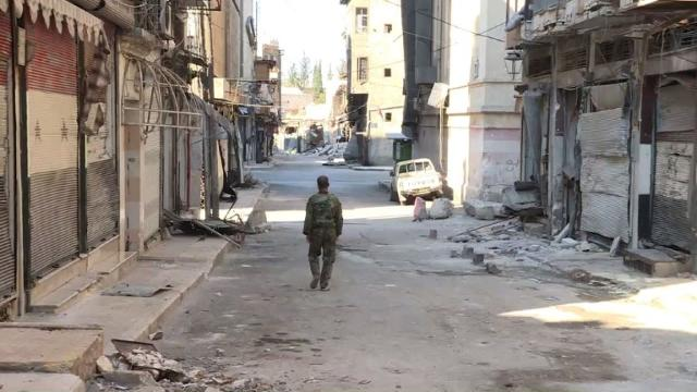 Soldiers replace tourists in Aleppo's battered old city