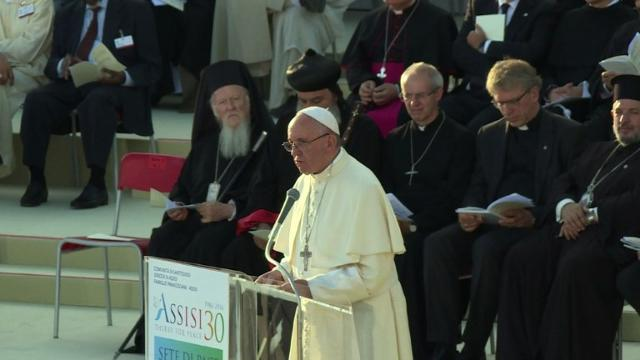 'World thirsts for peace,' pope tells religious leaders
