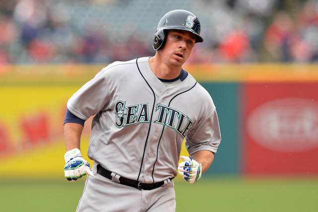 Mariners suspend Steve Clevenger without pay for remainder of the season