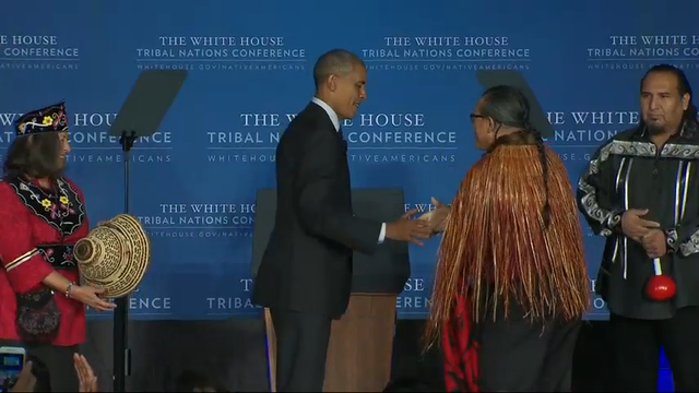 With blanket ceremony, American Indians give Obama a warm