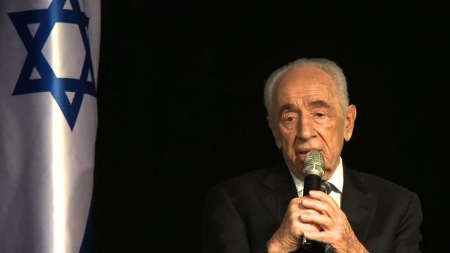 Shimon Peres spoke to members of the Foreign Press