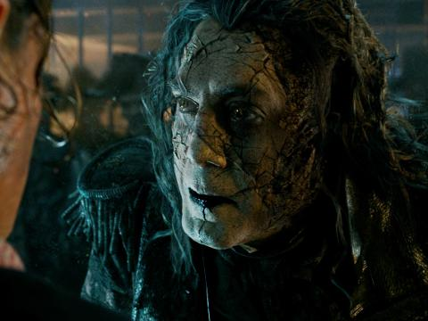 Trailer: 'Pirates of the Caribbean: Dead Men Tell No Tales'