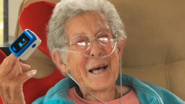 91-year-old woman dies after foregoing cancer treatment to travel