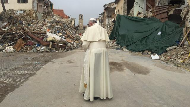 Pope Francis paid a surprise visit to earthquake survivors in Italy