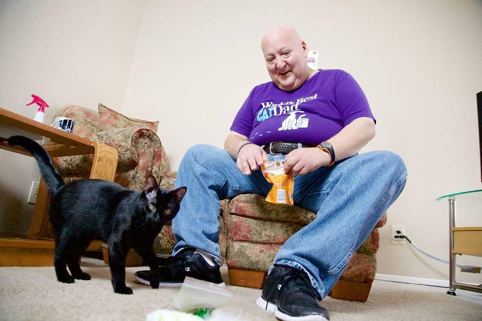 Hero cat saves owner from potentially deadly seizure