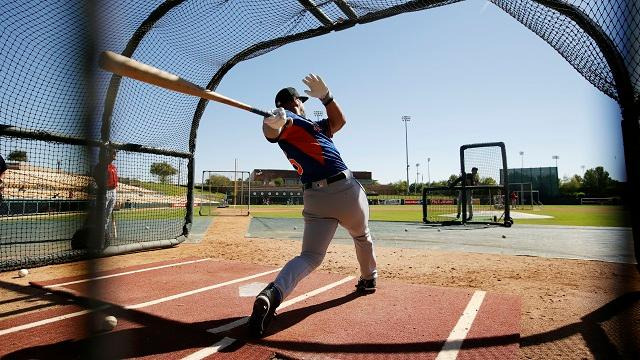 Tim Tebow takes batting practice
