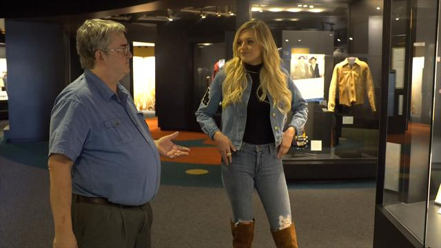 The rising country start got her first look at the Country Music Hall of Fame.