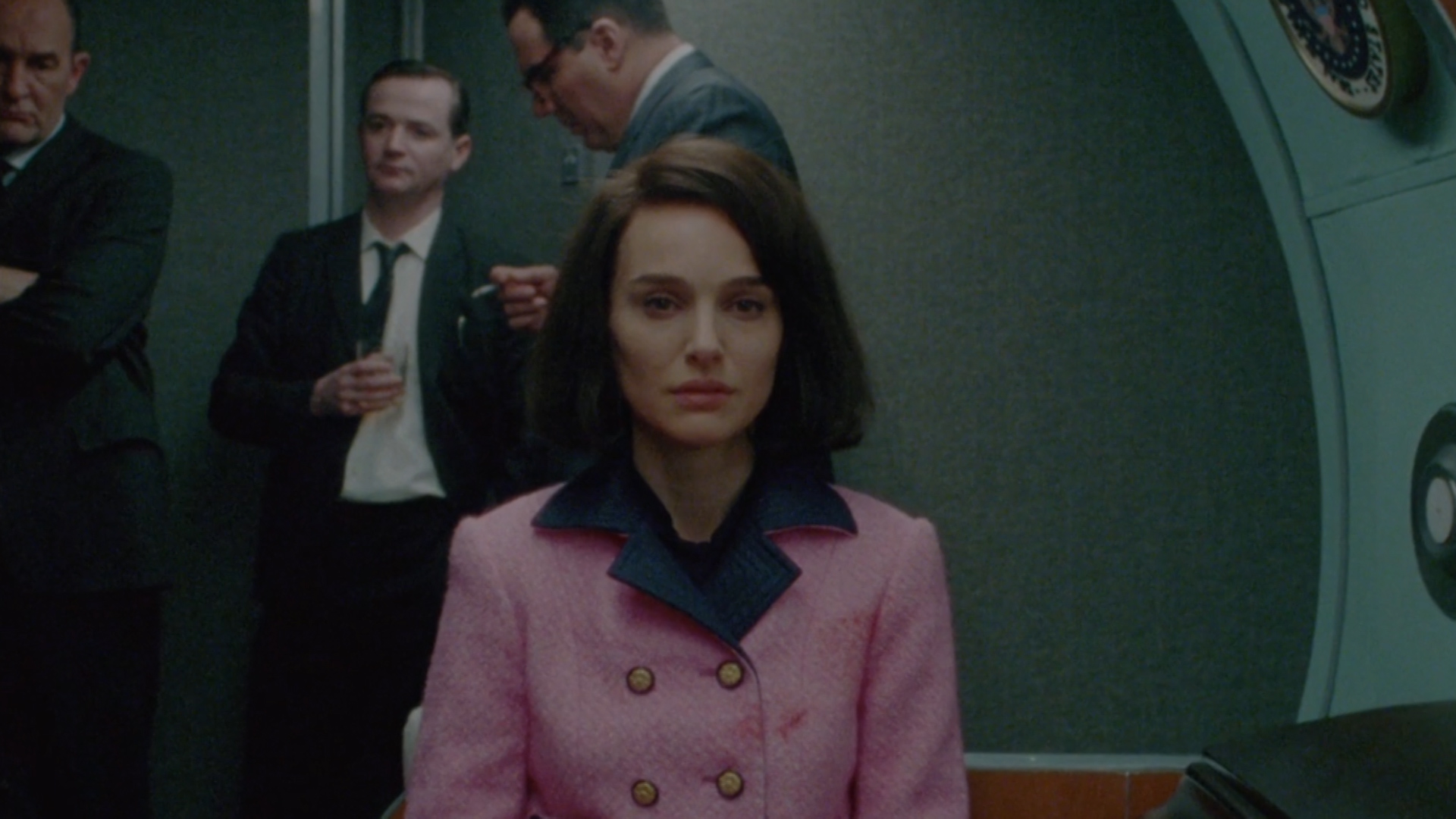 Review natalie portman amazes as 39 jackie 39 in spectacular for Jackie kennedy movie