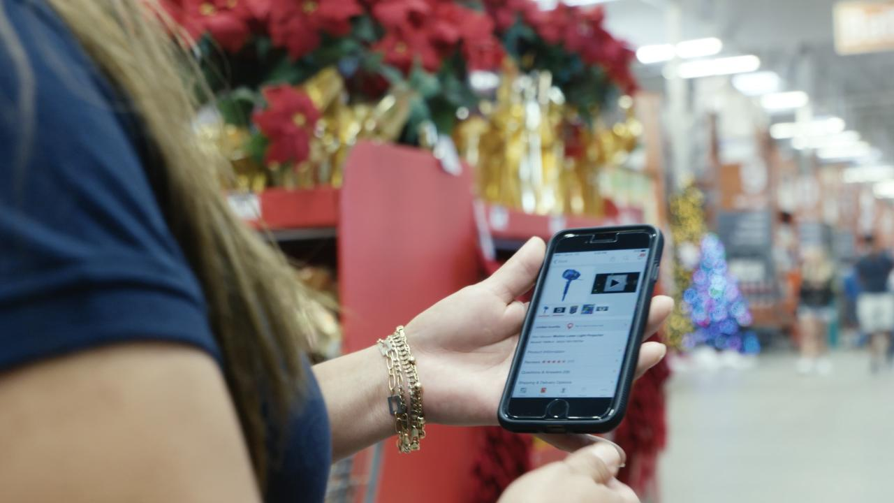 With an increasing amount of holiday shoppers saying they'll be buying online this holiday season, retailers like Home Depot are creating apps to help bring customers into their stores.