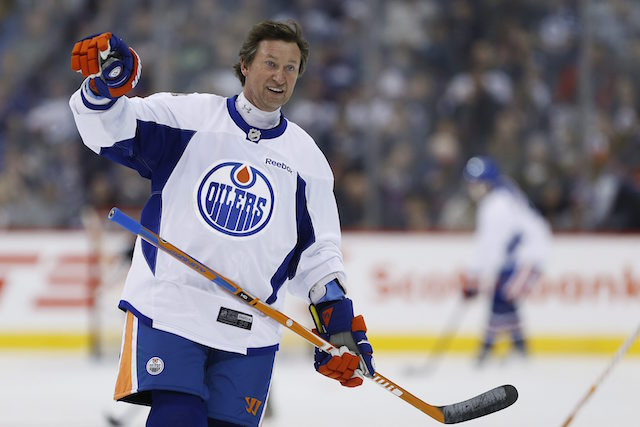 Hockey legend Wayne Gretzky sat down with USA TODAY Sports' Larry Berger to talk about everything from breaking Gordie Howe's records to the future stars of the NHL.