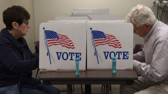 Ohio voters cast early ballots in 2016 election