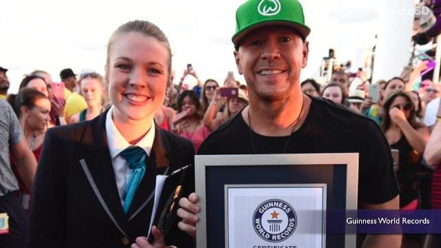 """Donnie Wahlberg and his fans aboard the New Kids on the Block cruise have set the world record for """"Most Selfies Taken in 3 Minutes"""". Keri Lumm (@thekerilumm) reports."""