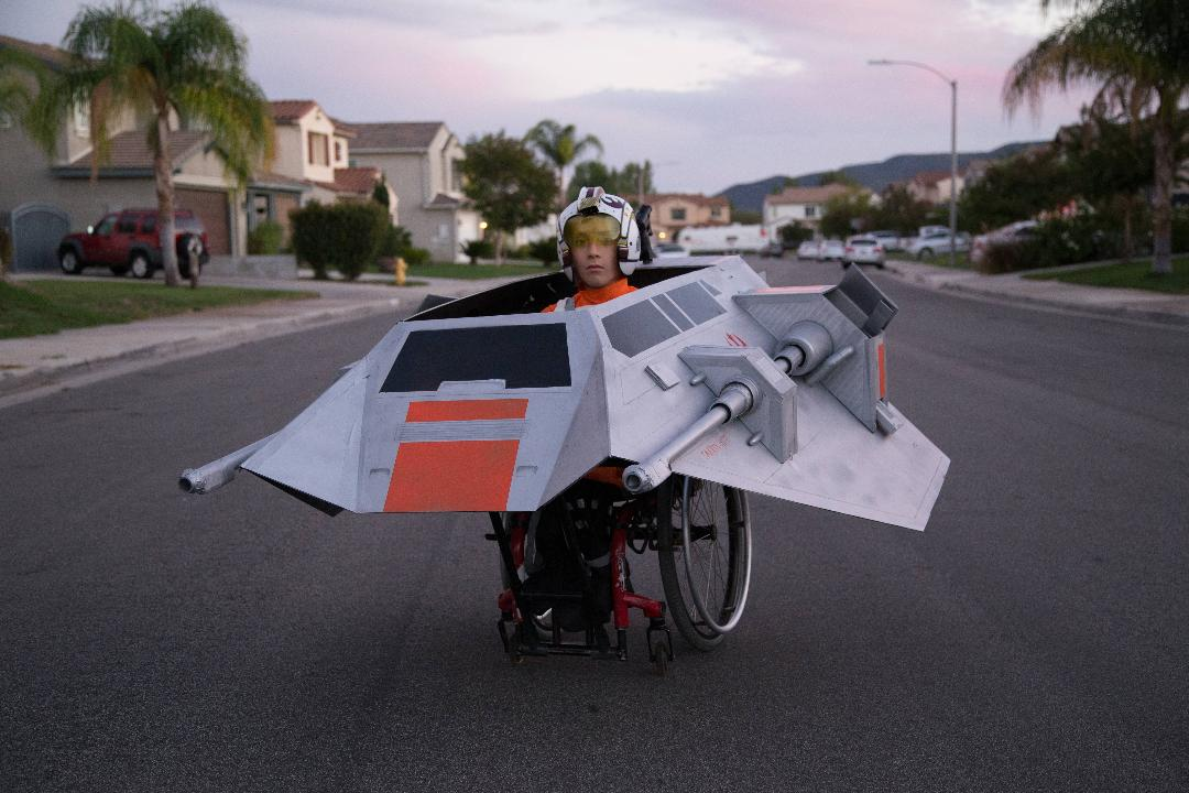 Dad builds phenomenal costumes for his son