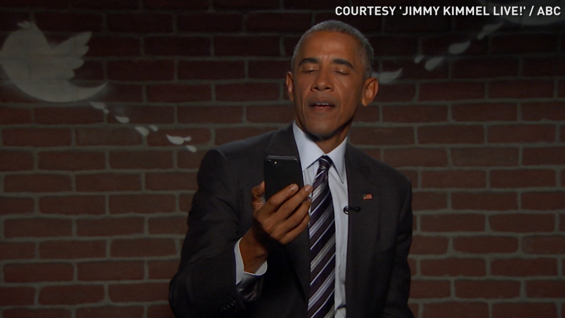 Obama reads mean tweets about himself