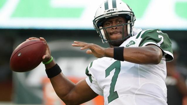 Jets quarterback Geno Smith suffers torn ACL