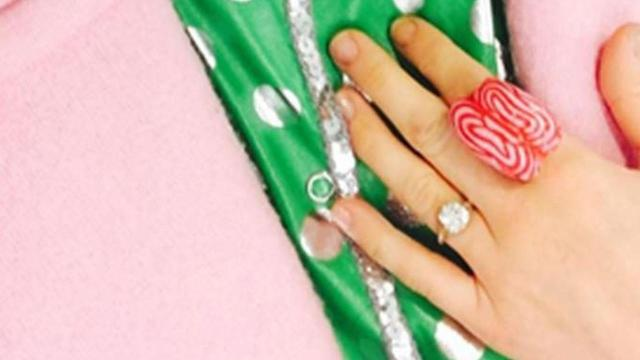 Love miley cyrus keeping her engagement ring