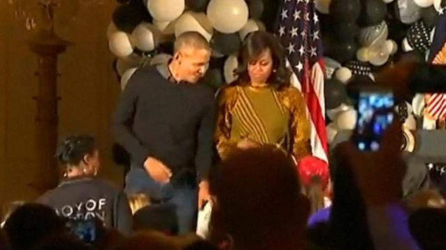 The Obamas dance to Michael Jackson's 'Thriller'
