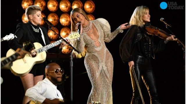 Beyonce performs with Dixie Chicks at CMA Awards