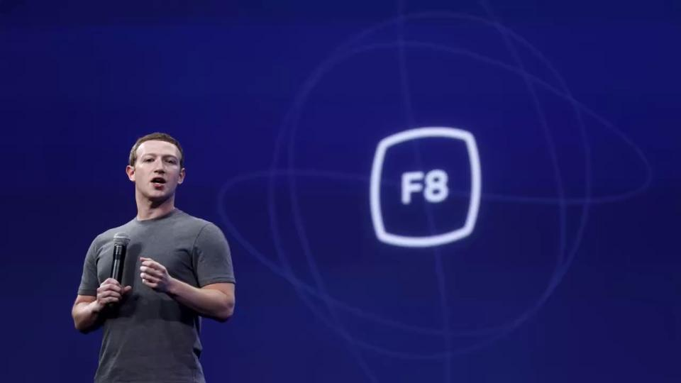 No, Mark Zuckerberg is not dead