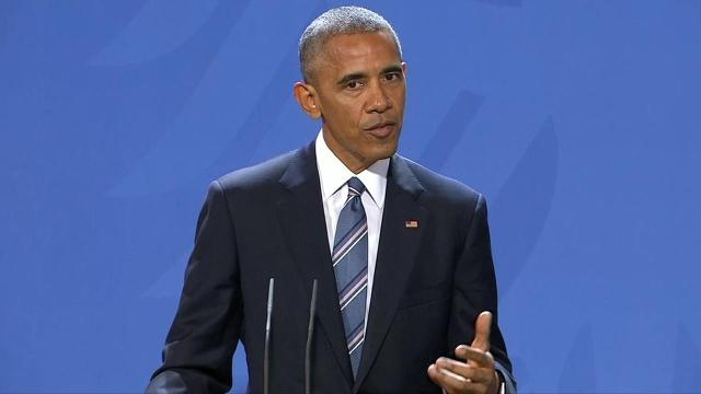 Obama says fake news is a problem for 'democratic freedoms'