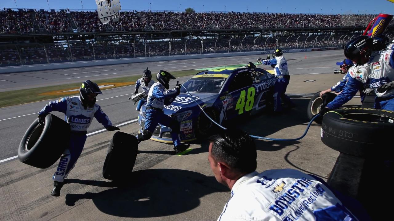 Sprint cup at texas start time lineup tv schedule and more for Starting lineup texas motor speedway