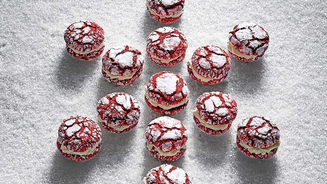 Red velvet crackle sandwich cookies