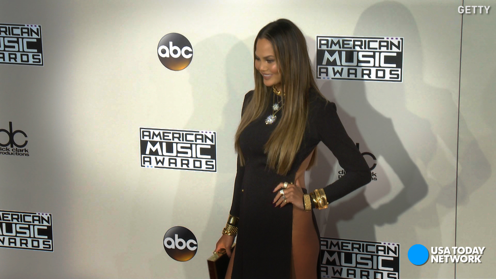 teigen amas Chrissy uncensored