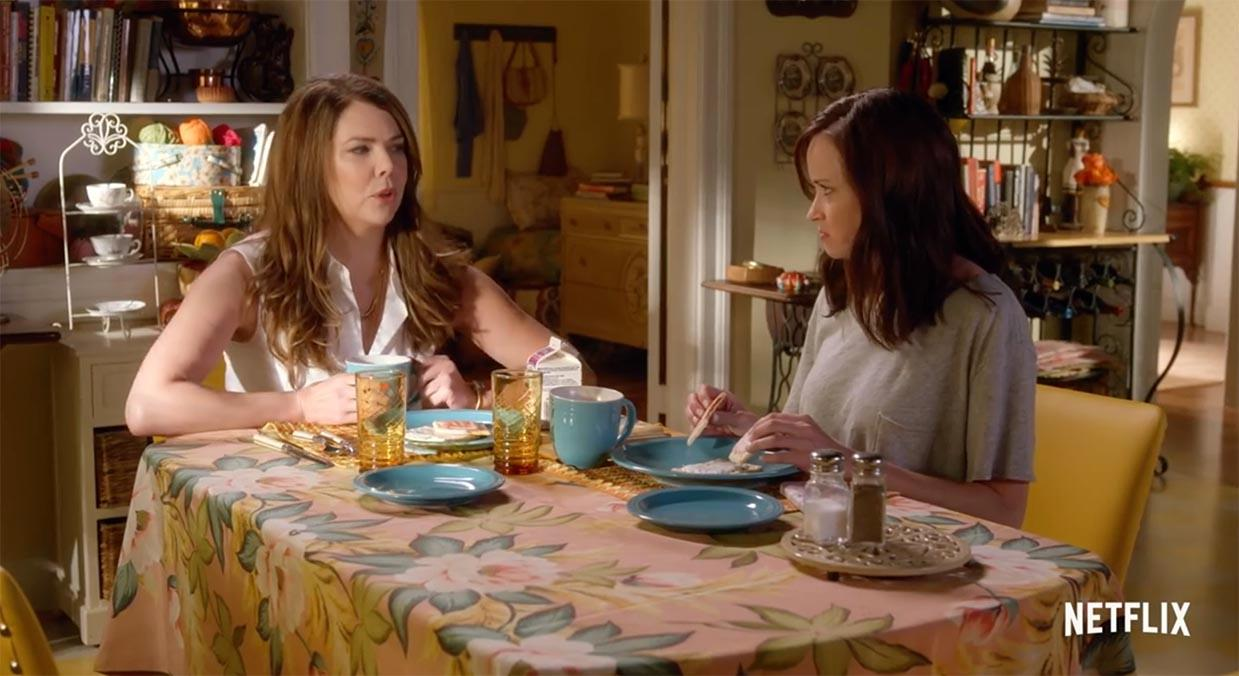 Lauren Graham and Alexis Bledel give USA TODAY's Bill Keveney advice on how to watch Netflix's 'Gilmore Girls: A Year in the Life'' episodes.