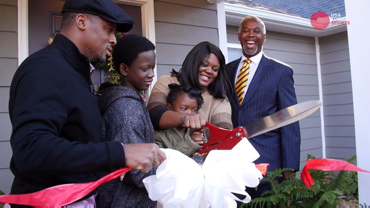 Warrick Dunn helps single parents become homeowners