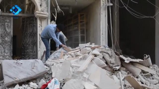 Raw: Gunfire, Explosions Burst in Aleppo Fight