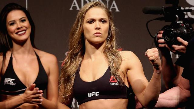 Ronda Rousey shows off lean physique at UFC 207 weigh-in
