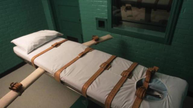 An Alabama death row inmate heaved and coughed during his execution