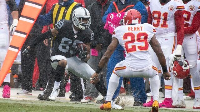 Raiders vs. Chiefs: Huge playoff implications in AFC West