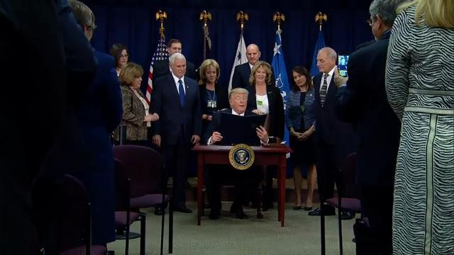 Trump signs executive order on Mexico wall