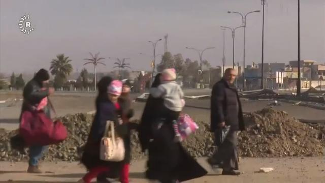 Raw: Iraqi Forces Press Attack in Mosul