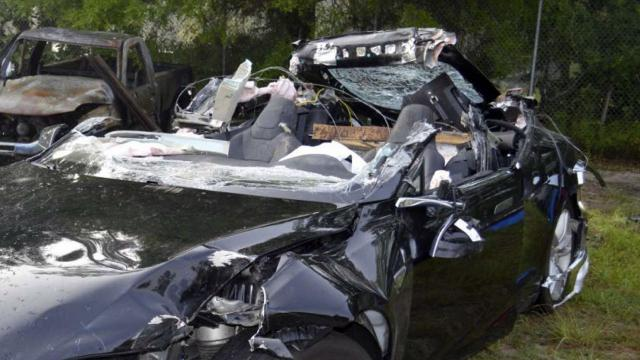 Investigators: No autopilot defect in deadly Tesla crash