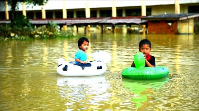 floods in malaysia Flood control in malaysia is undergoing significant changes the objective of this article is to provide a brief description of recent developments in the analysis of new engineering.