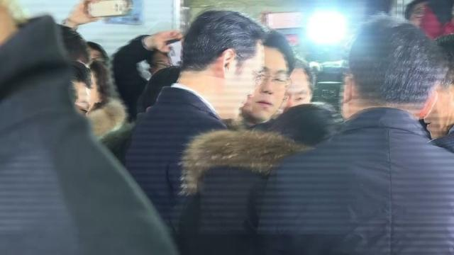 Samsung heir Lee Jae-Yong is grilled by South Korean prosecutors after becoming a criminal suspect in the corruption scandal engulfing impeached President Park Geun-Hye. Video provided by AFP