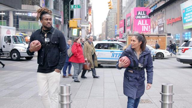 Two-time Pro Bowler Cordarrelle Patterson knows how to navigate traffic on the football field, but can he make his way through the busy streets of Times Square? Extra Mustard's Tiff Oshinsky raced him to find out.